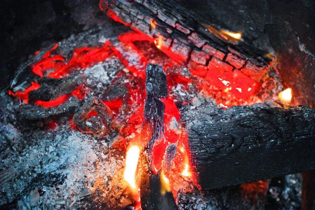 焼きぼっくいに火がつく